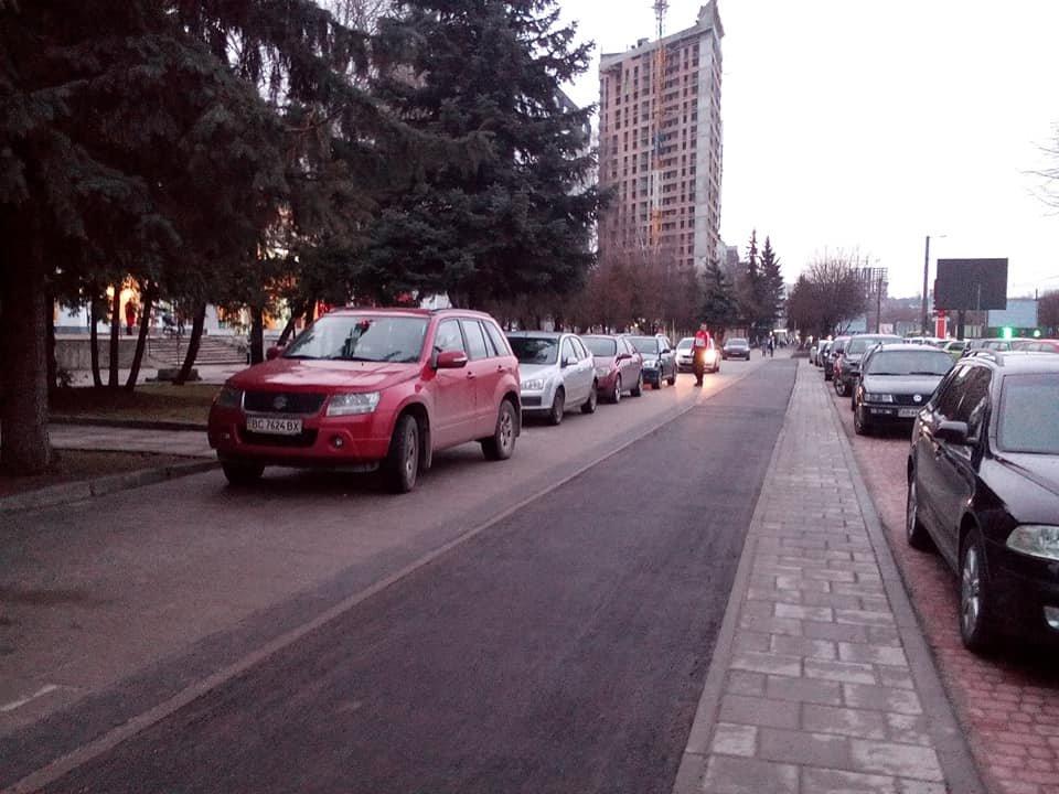 Фото: проспект Чорновола / Дем'ян Данилюк, фейсбук