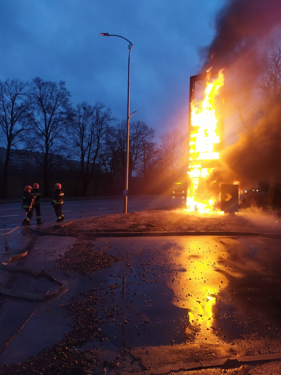 Фото: пожежа на Липинського / пресслужба ДСНС Львівщини