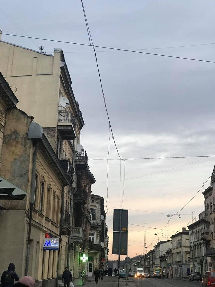 """Львів, фото користувачів """"Гарячої лінії міста"""""""