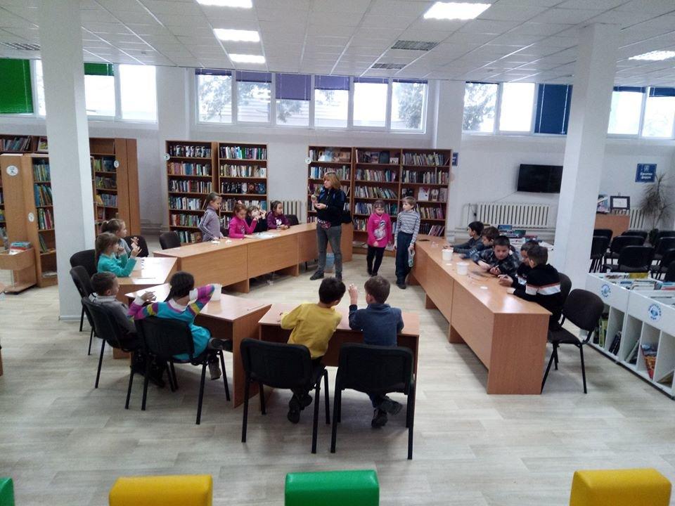 Комфорт-бібліотека на Патона - фейсбук-сторінка бібліотеки
