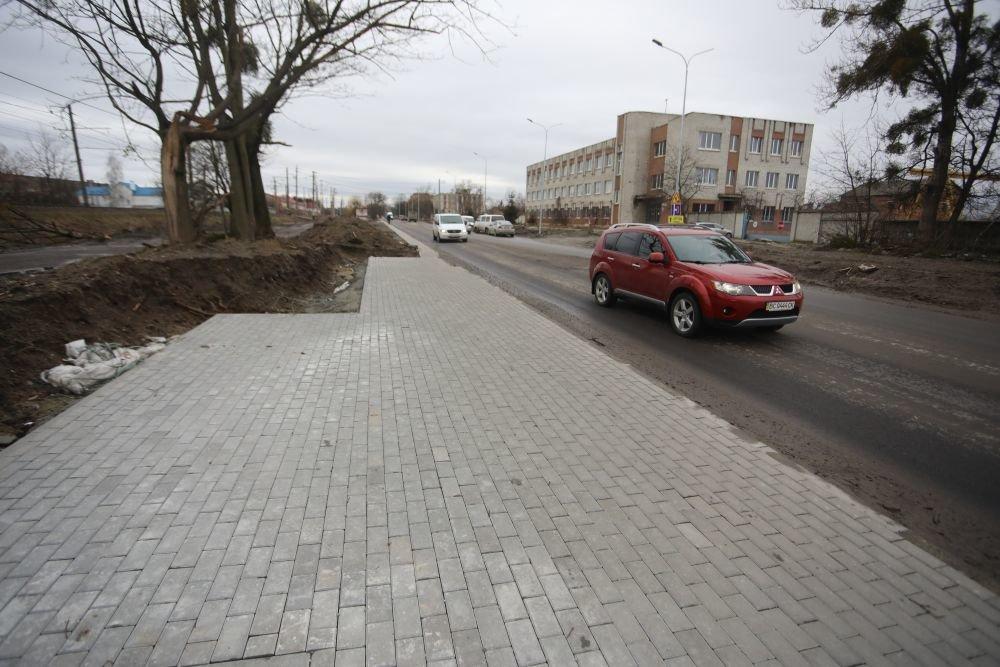 Фото: ремонт на Данила Апостола / пресслужба ЛМР