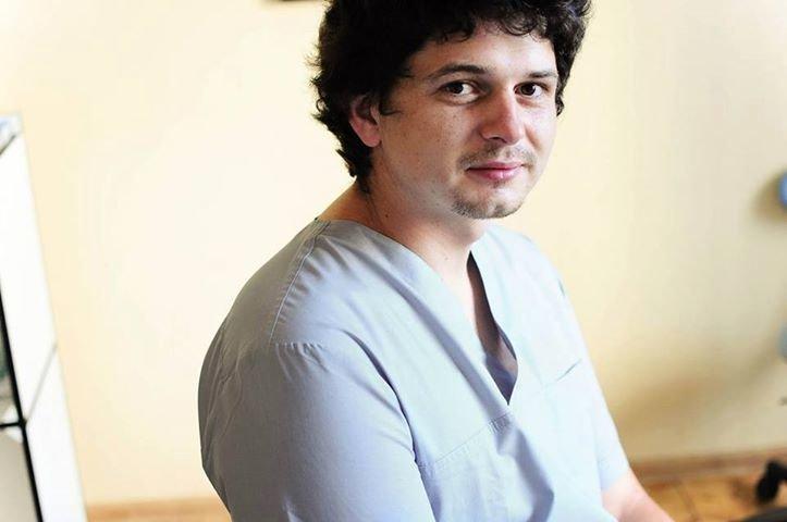 Фото: львівський лікар-стоматолог Віталій Рибко