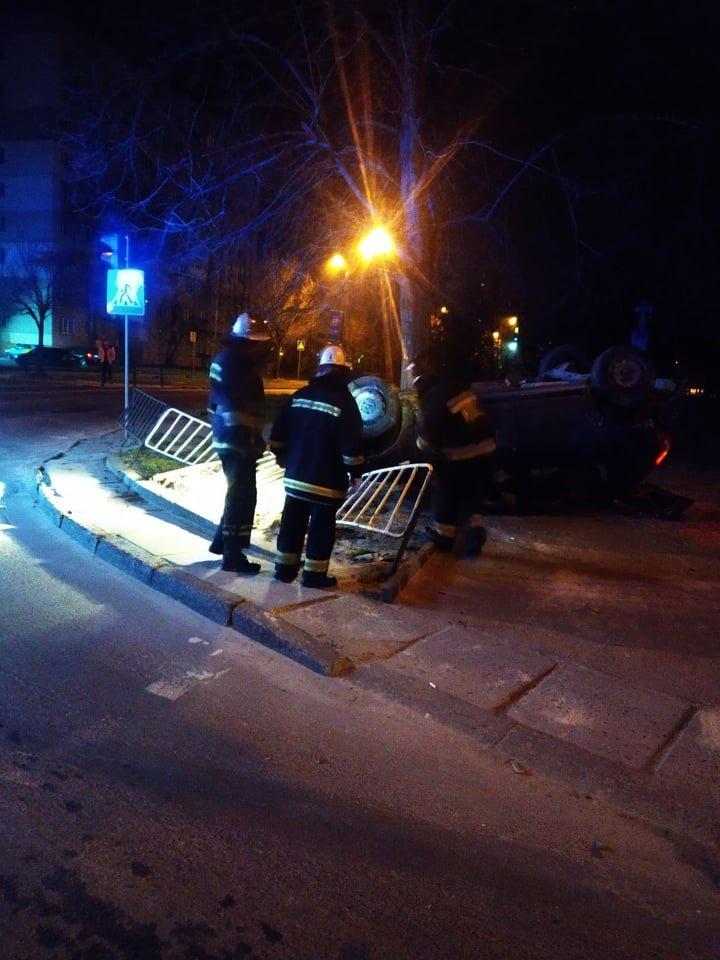 Фото з місця події надала 032.ua пресслужба Патрульної поліції