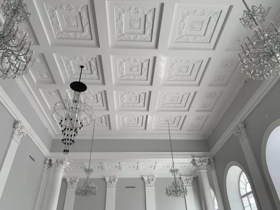 Фото завершального етапу ремонту у сесійній залі Ратуші. Фото - Ігор Зінкевич