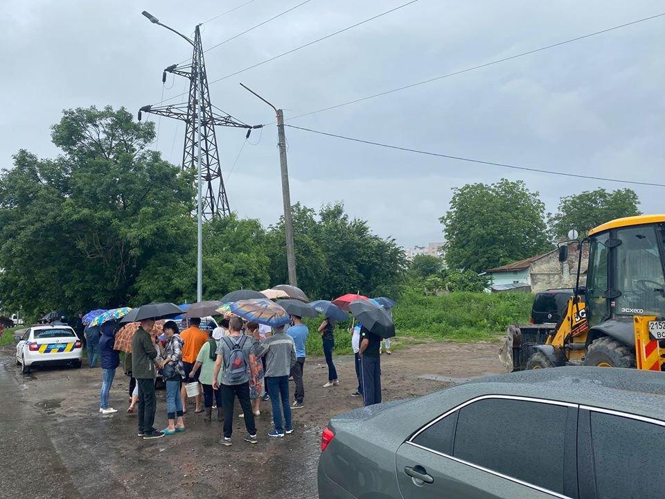 Пікет мешканців вул. Розточчя, фото Олесі Дацко/фейсбук