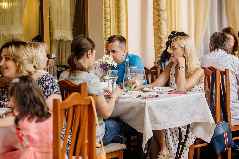 Ресторани та кафе Львова з літніми терасами та майданчиками, фото-17