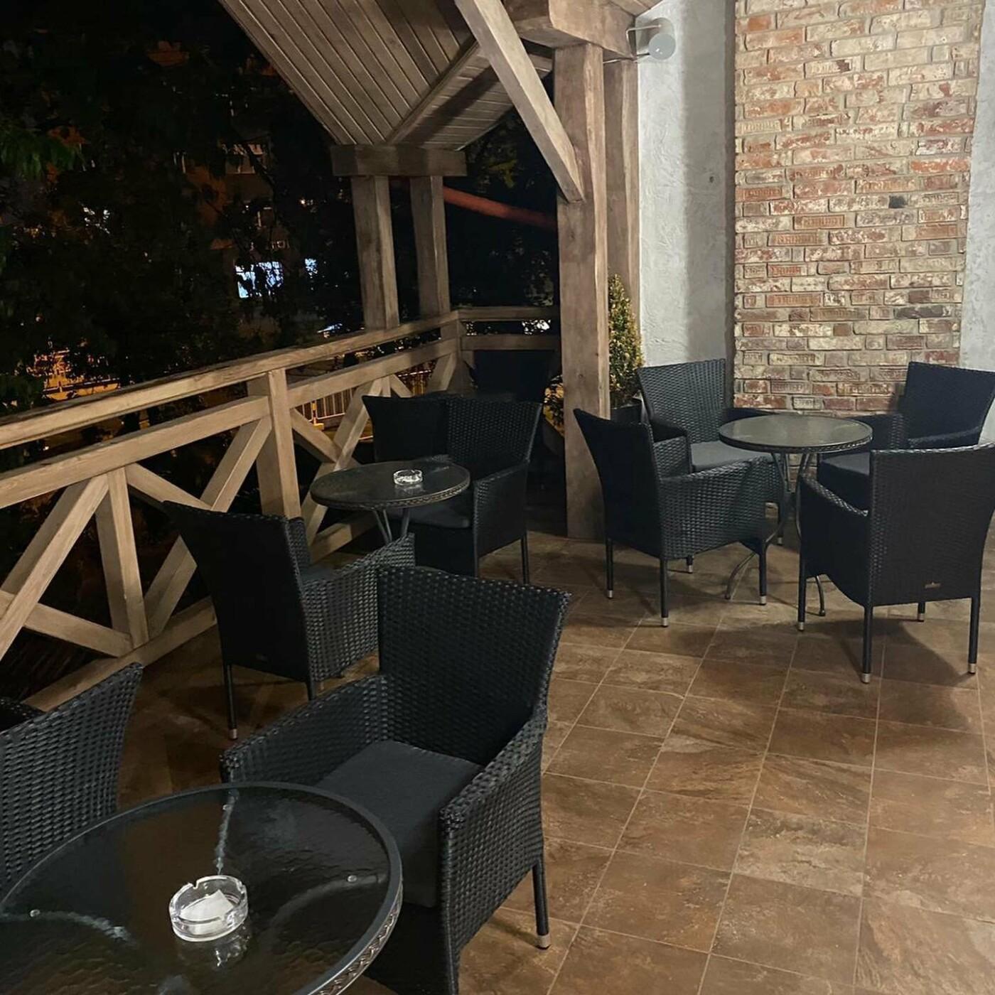 Ресторани та кафе Львова з літніми терасами та майданчиками, фото-20