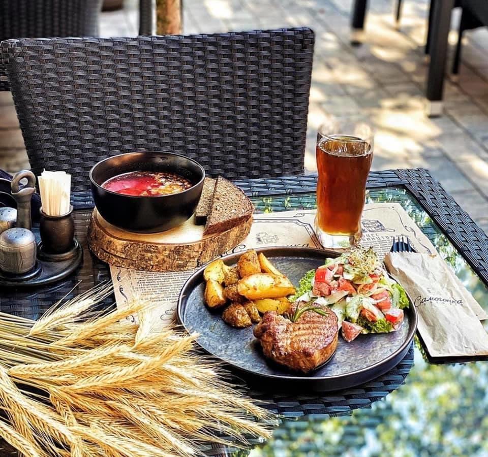 Ресторани та кафе Львова з літніми терасами та майданчиками, фото-21