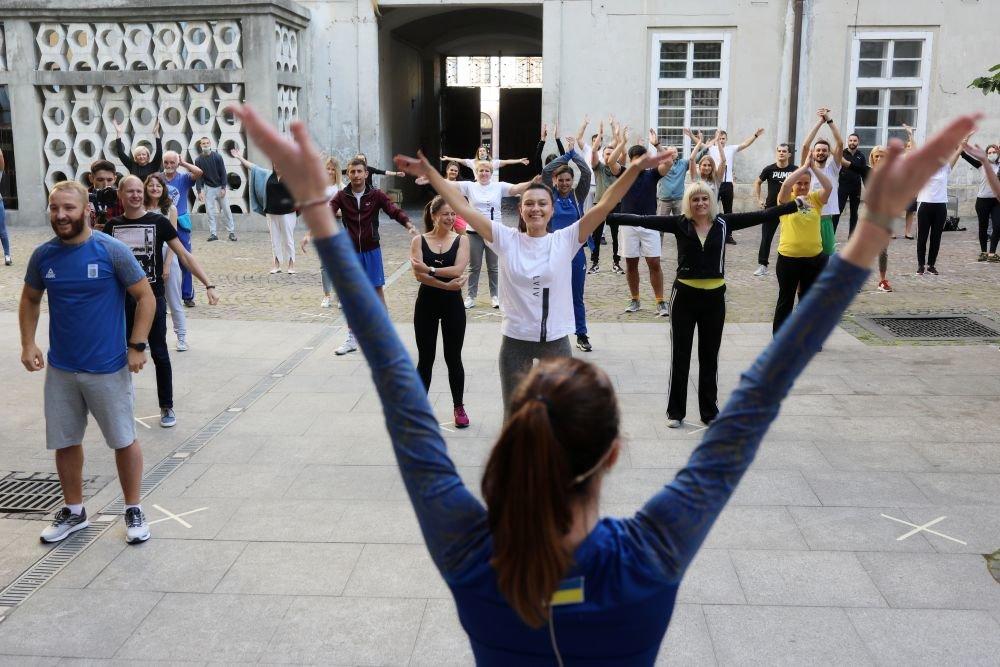 Фото: розминка / пресслужба Львівської міської ради