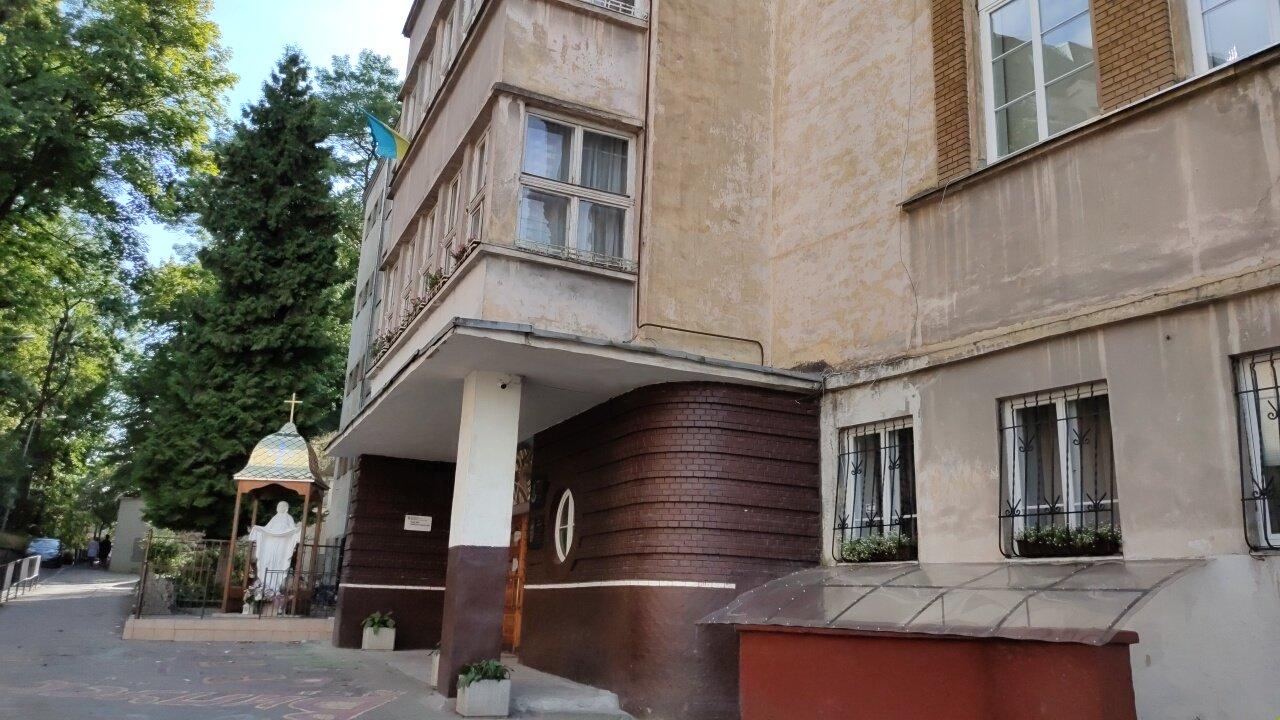 Новий і старий корпуси школи №28, фото 032.ua