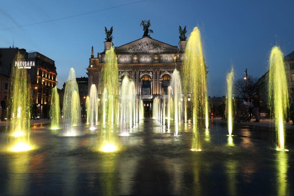 Фото: фонтан / Роман Балук