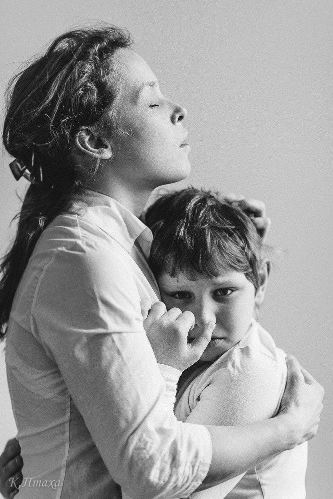 Юлія Пакулова-Троцька і її син В'ячеслав