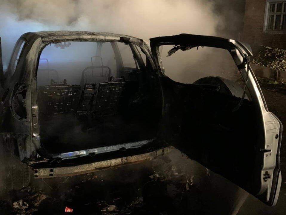На Львівщині повністю згорів автомобіль, Фото - ДСНС