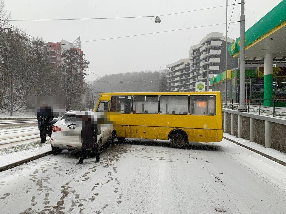 ДТП на вулиці Стуса у Львові, Фото - Патрульна поліція Львівщини