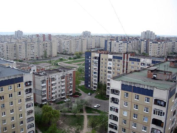 За радянських часів Сихів забудували типовими панельними будинками, Фото: uk.wikipedia.org