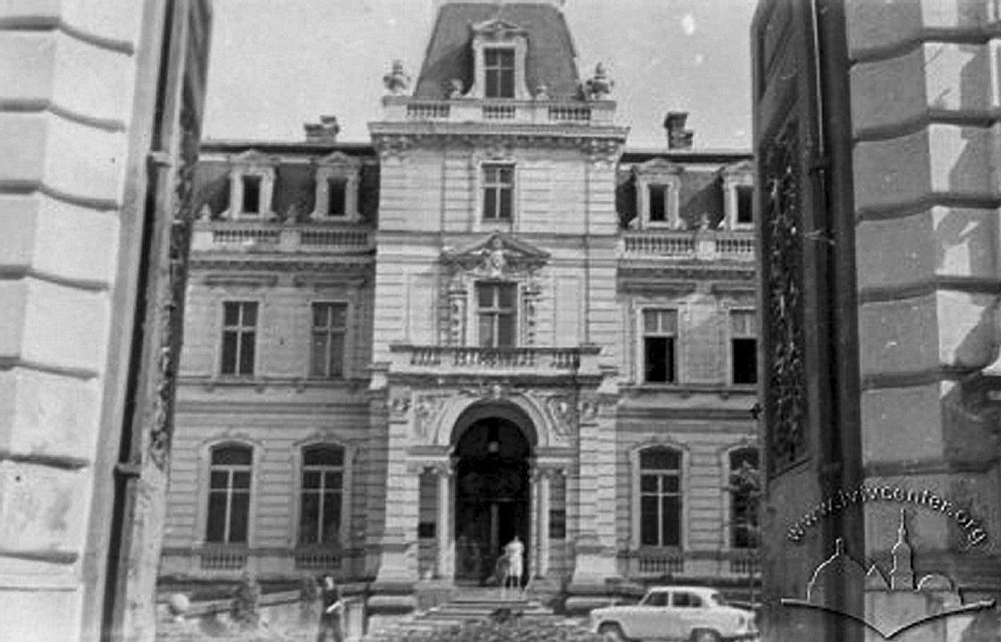 Палац Потоцьких у Львові, Фото: lvivcenter.org