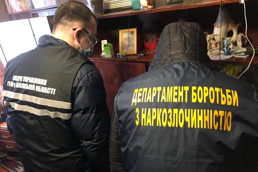 Поліція викрила злочинну групу на збуті метадону та героїну, Фото: пресслужби поліції Львівщини