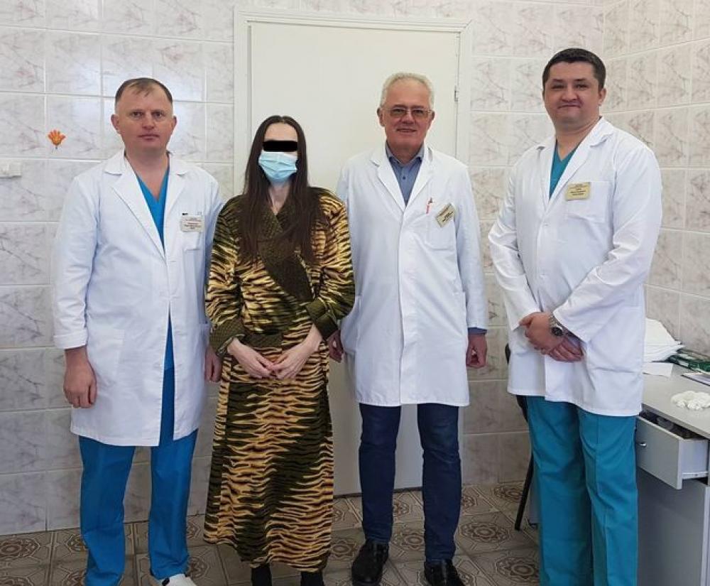 Унікальна операція з видалення 30-кілограмової пухлини, Фото: ЛОР