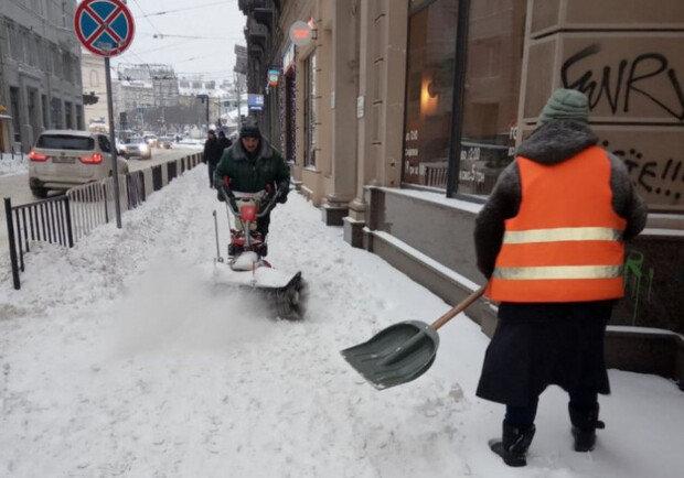 Прибирання вулиць, Фото: Львівської міськради