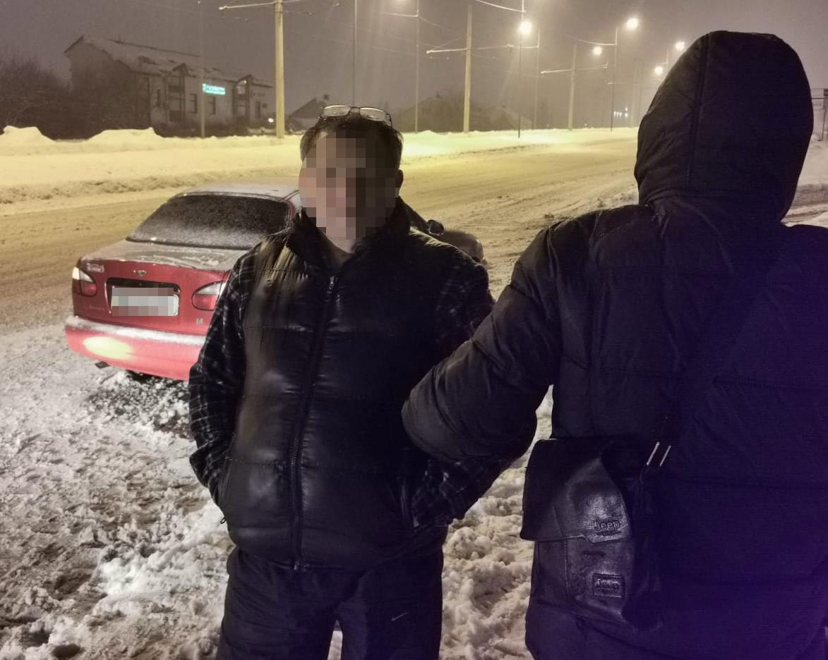 У Львові затримали чоловіка, який мав при собі 45 грамів метадону, Фото - поліція Львівщини