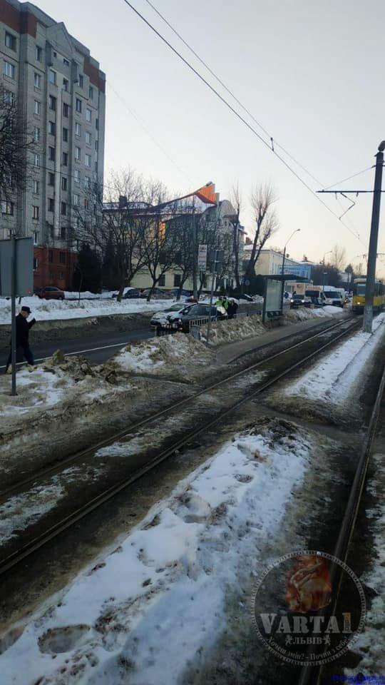 У Львові в ДТП потрапили патрульні