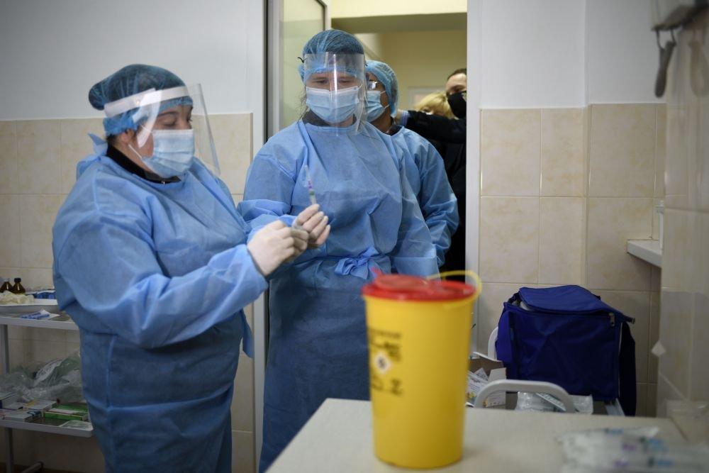 Вакцинація у Львівській обласній інфекційній лікарні, Фото: пресслужби Львівської міськради