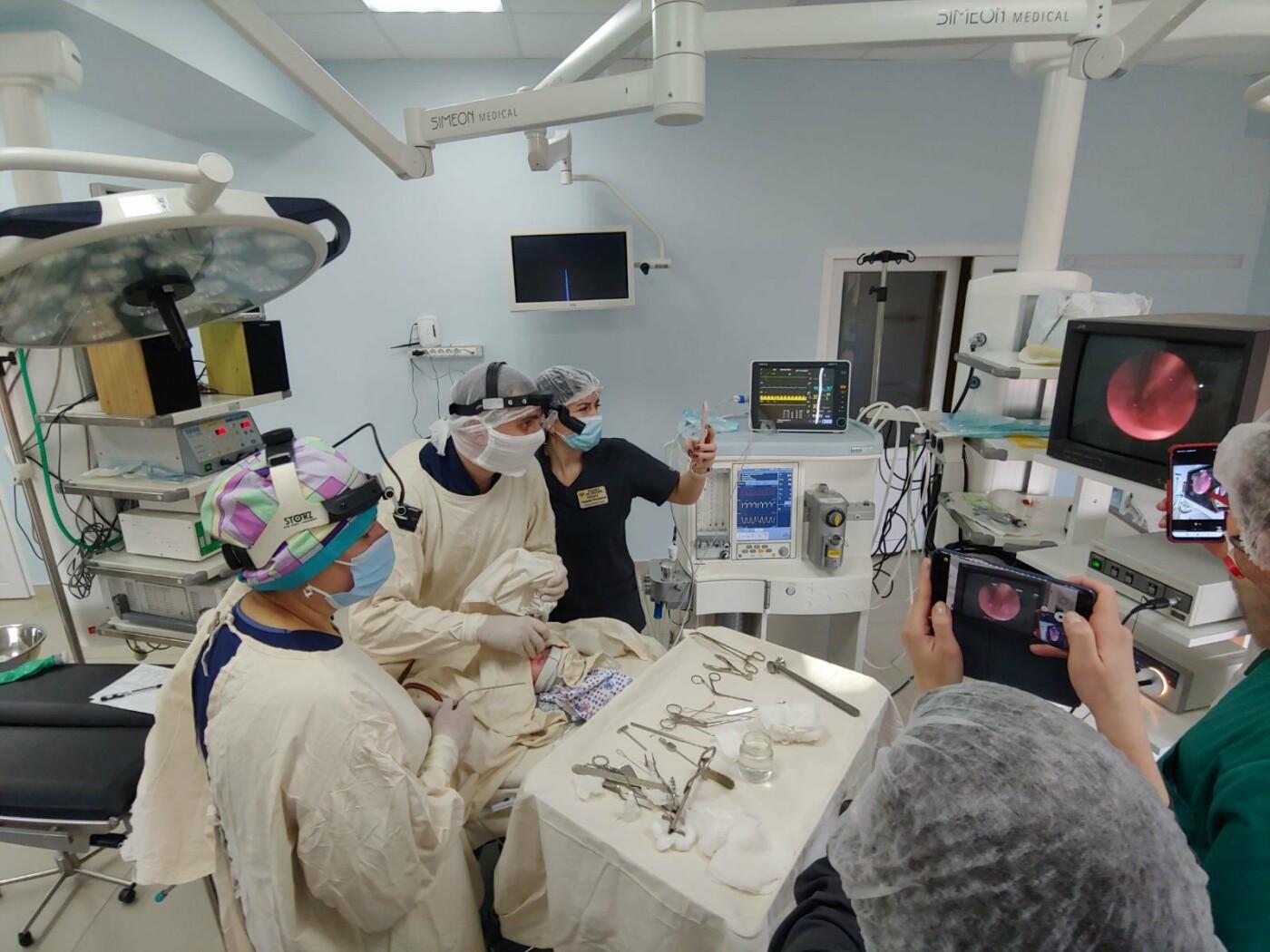 У Львові провели рідкісну операцію новонародженій дівчинці, Фото - лікарня на Орлика у Львові