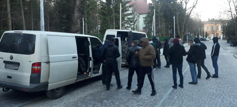 У Львові затримали групу зловмисників, Фото: поліція