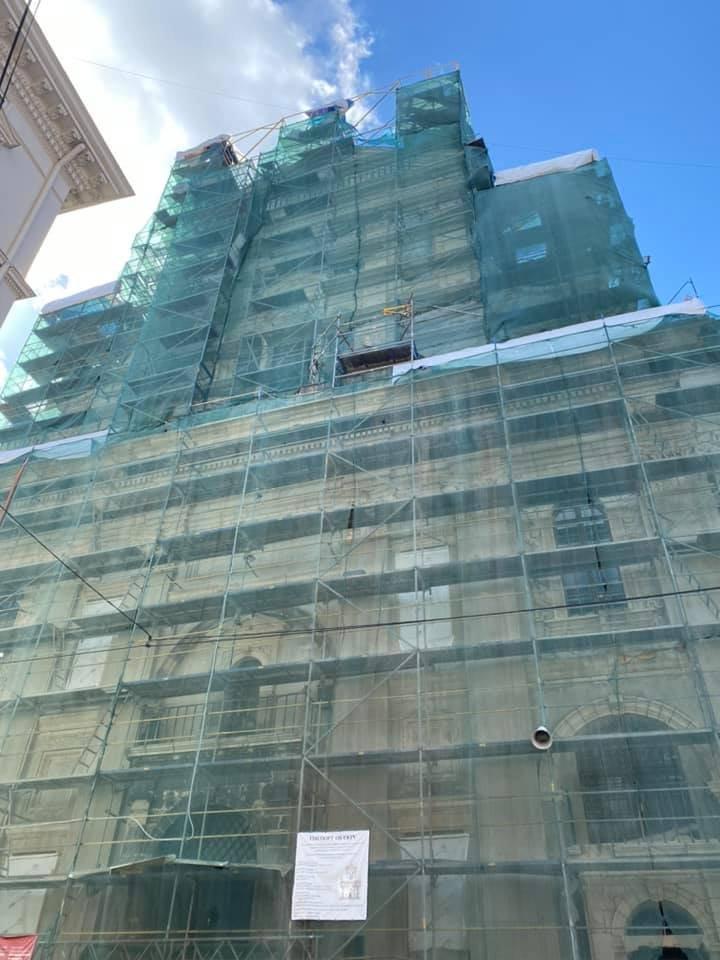 На головному фасаді Гарнізонного храму відновили роботи з реставрації, Фото: ЛМР