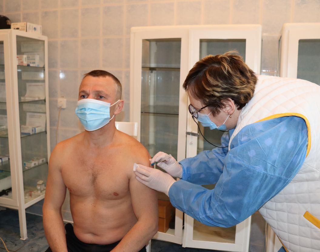 Щеплення від коронавірусу, Львівський бронетанковий завод