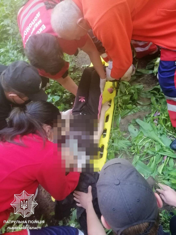 На вулиці Шевченка 10-річна дитина випала з вікна