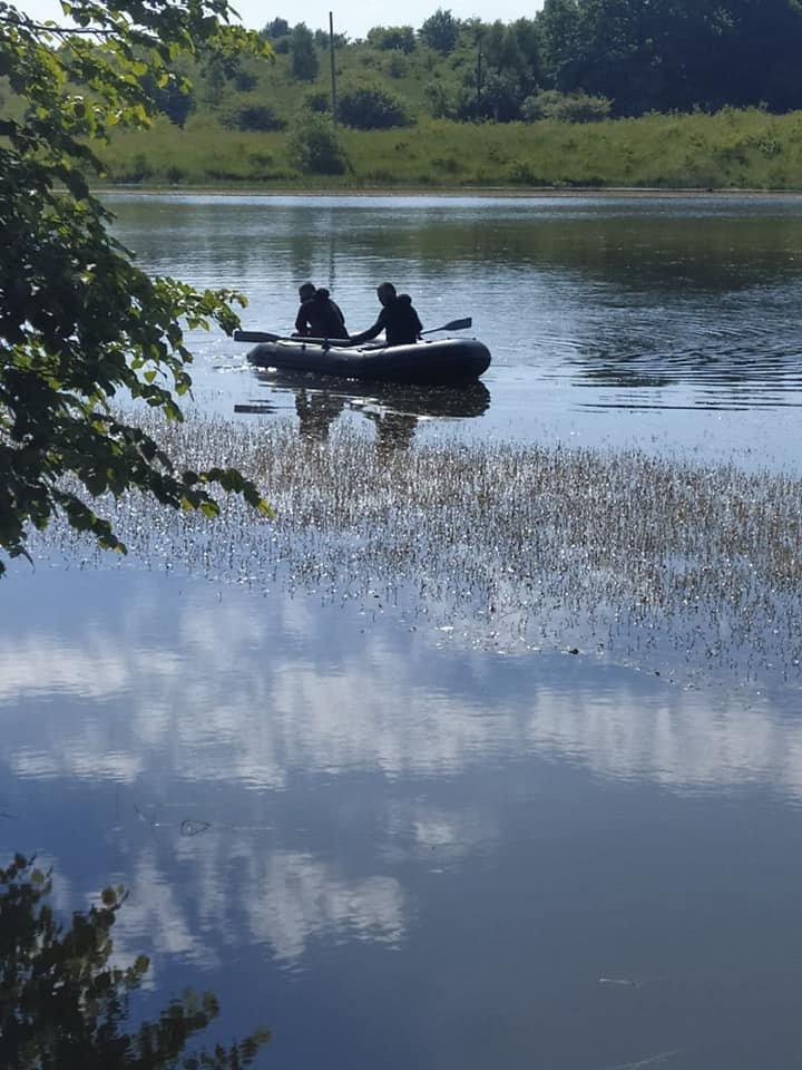 У Золочівському районі з озера витягнули тіло 25-річного чоловіка, Фото - водолазна служба Львівщин
