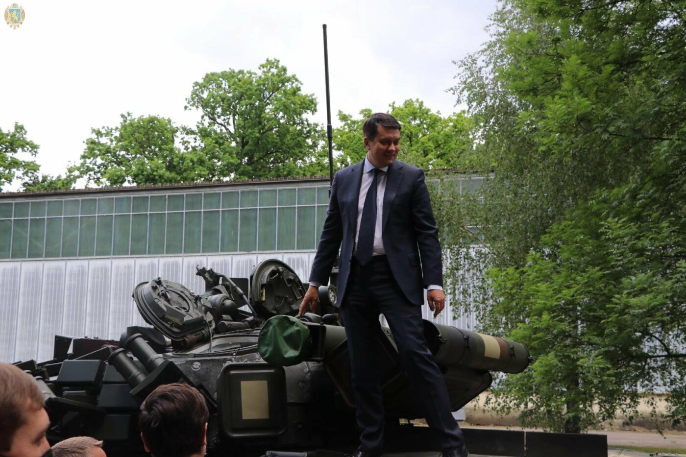 Разумков відвідав Львівський бронетанковий ремонтний завод, Фото: ЛОДА