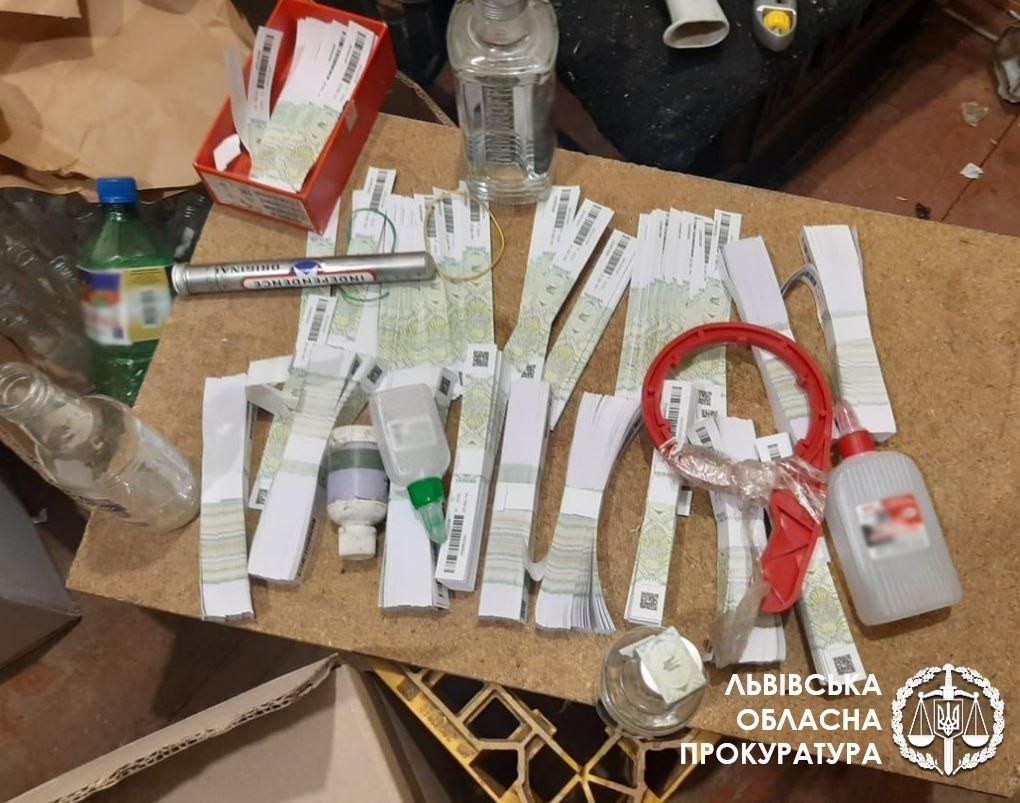 На Львівщині викликали незаконний алкогольний цех, Фото - прокуратура Львівщини