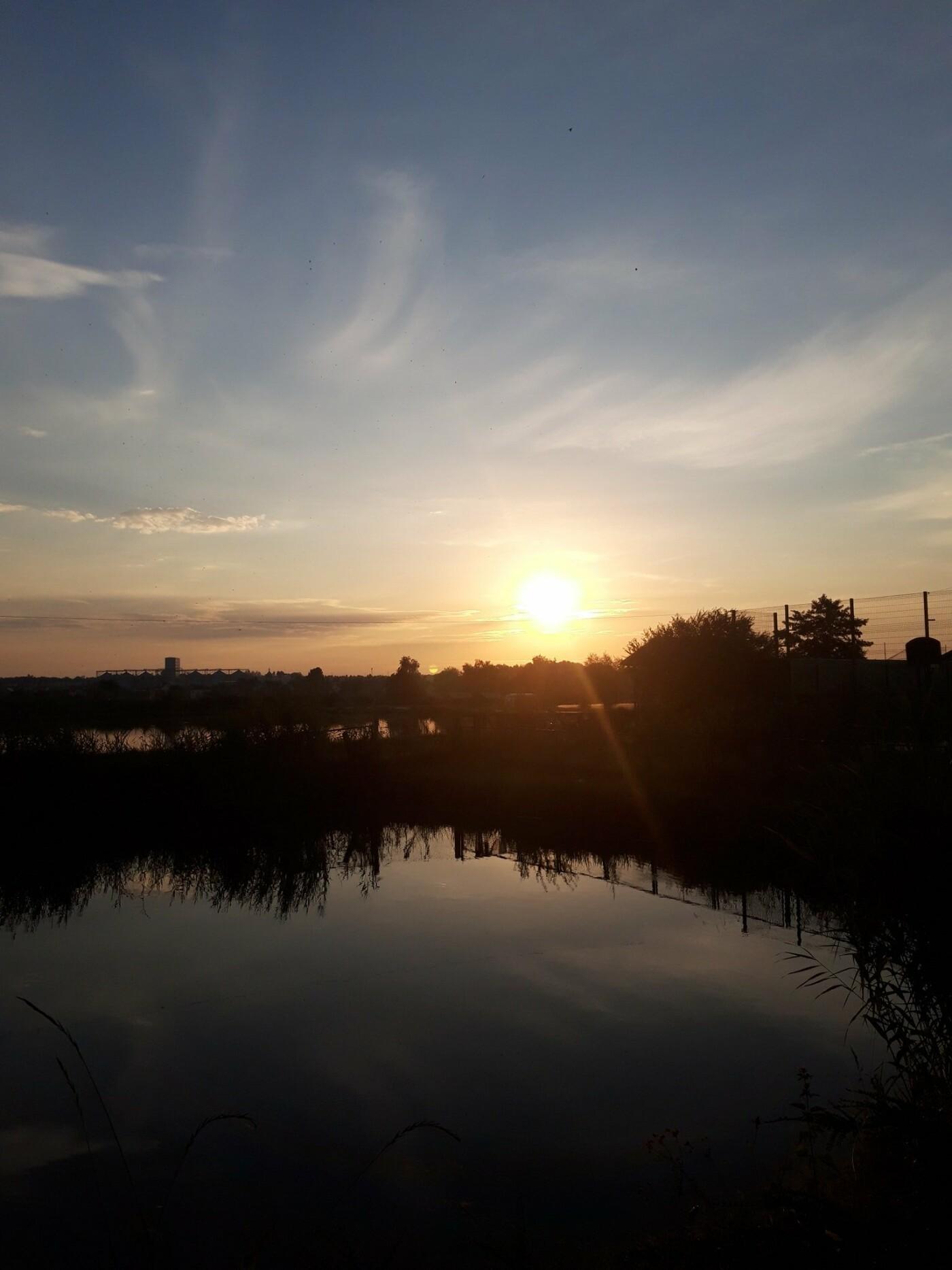 """Озеро у Пустомитах, Фото: """"Озерний край"""", фейсбук"""