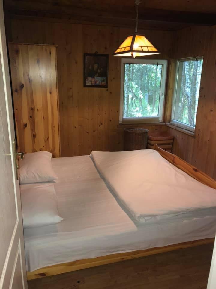 """Будиночок на озері, Фото: Facebook/""""Кемпінг"""""""