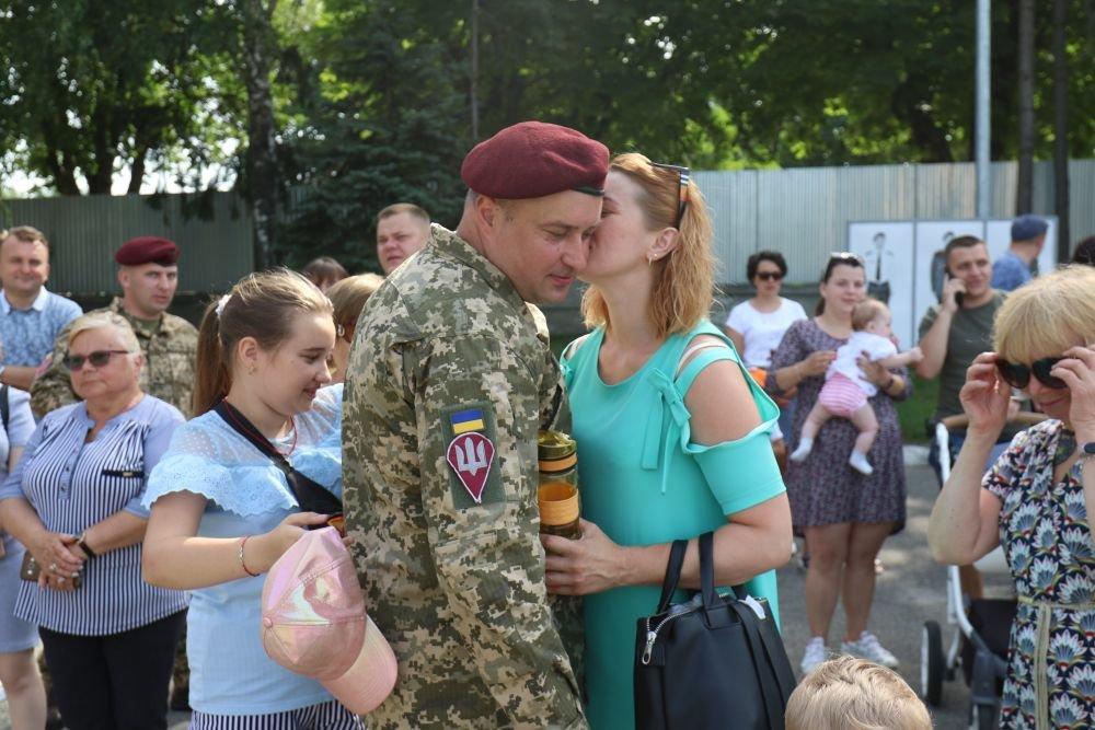 У Львові урочисто зустріли 80-ту окрему десантно-штурмову бригаду, Фото: Роман Балук