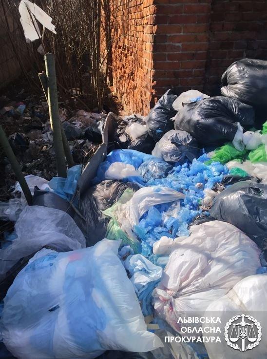 Несанкціоноване звалище медичних відходів, Фото: прокуратура