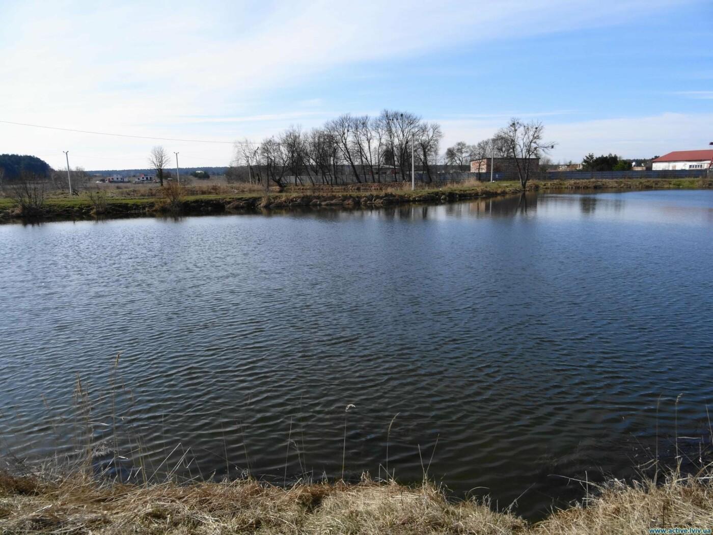 Озеро у Солуках на Львівщині, Фото - з відкритого доступу