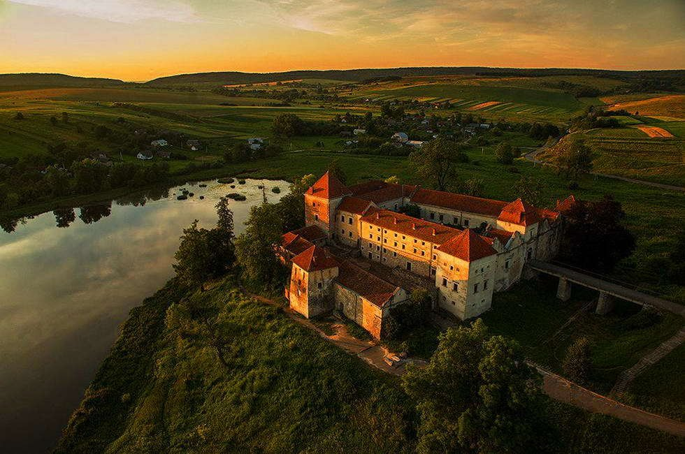 Свірзький замок на Львівщині, Фото - з відкритого доступу