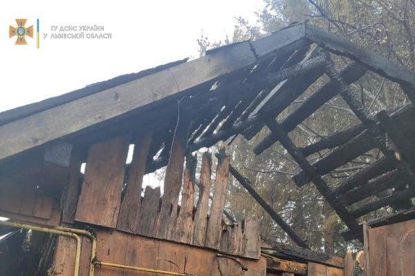 На Самбірщині повністю згорів будинок, Фото - ДСНС Львівщини