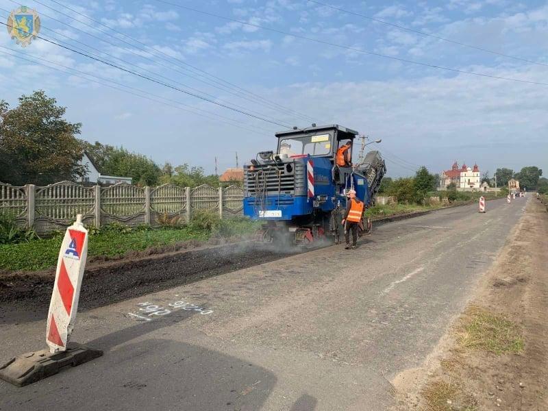 Нову ділянку дороги Сокаль - Стоянів сьогодні розпочали ремонтувати, Фото: пресслужби Львівської ОДА