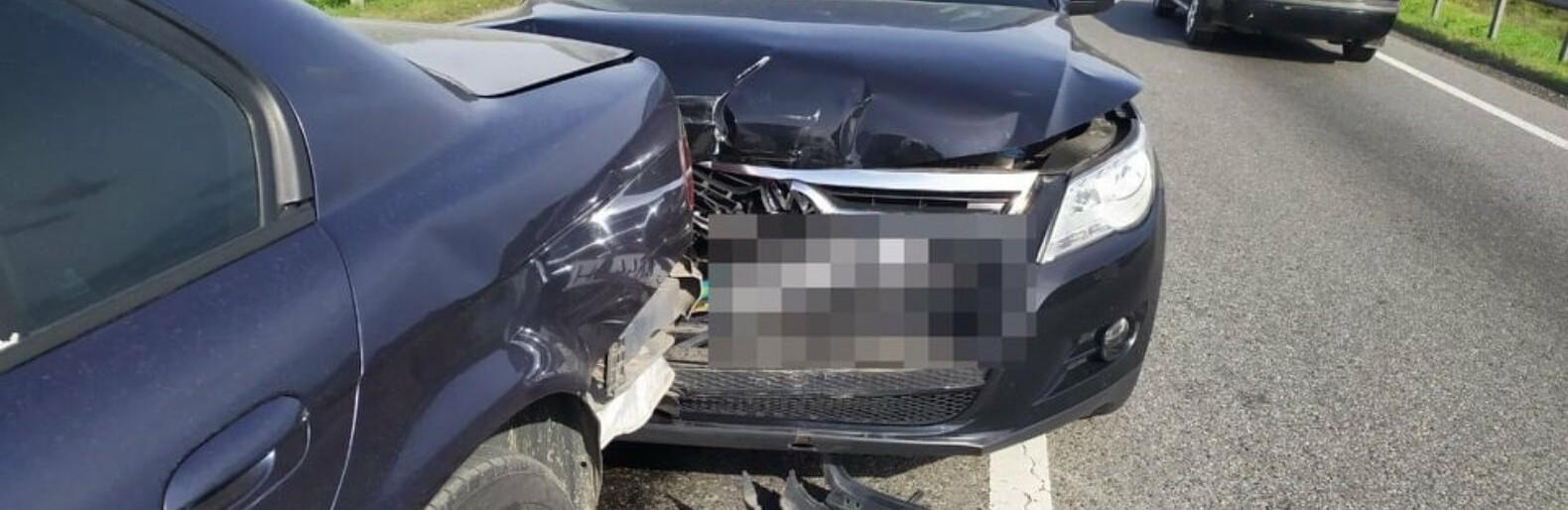 23-річний водій Volkswagen спричинив потрійну ДТП на об'їзній Львова, - ФОТО