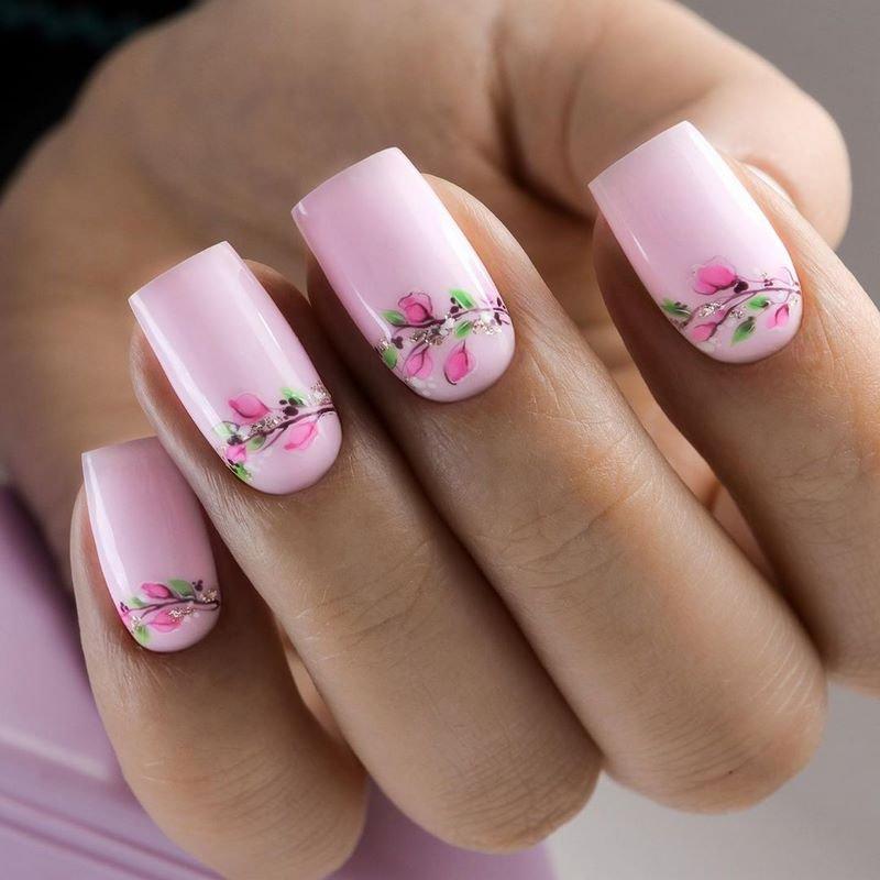 гарний лак на нігтях